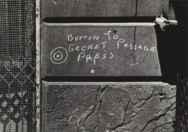 button-to-the-secret-passage