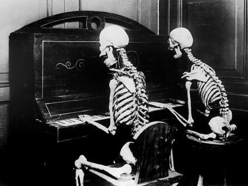 squelette-piano