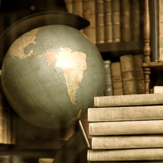 Old-Books-and-Globe copie