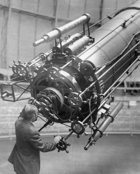 yerkes-observatory-en-williams-bay-walworth-county-subject-van-biesbroeck-george-1880-1974_aa6b3a83b7f8c634714b9832edea9fc5_1000_free