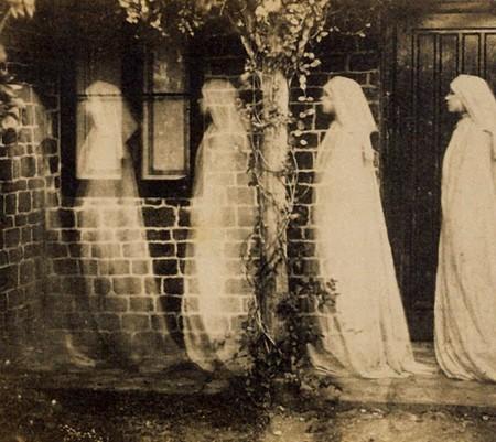 Vintage-Ghosts-450x401